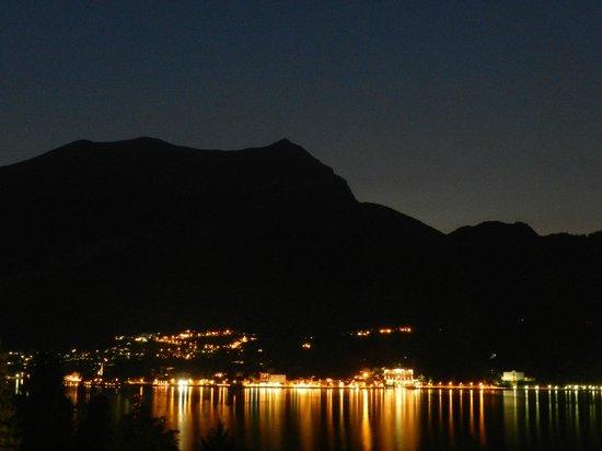 Borgo Le Terrazze: Nightfall toward Tremezzo