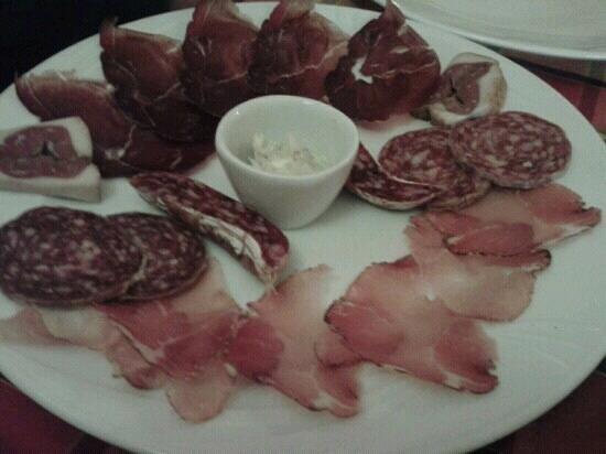 Ristorante La Taverna de Batti: mix salumi di selvaggina