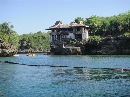 Natago Beach Resort:                   Corner House