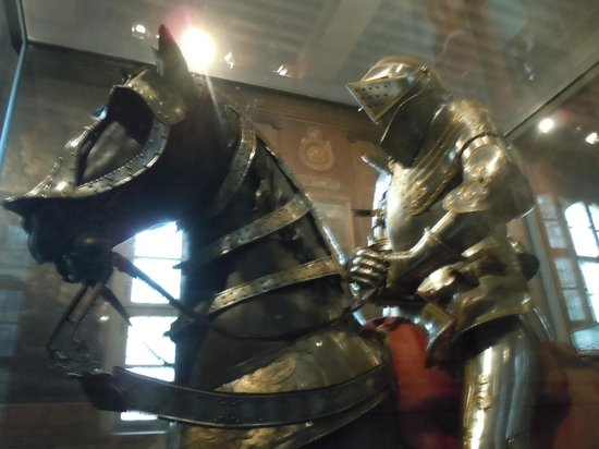 Army Museum: horse & rider armor