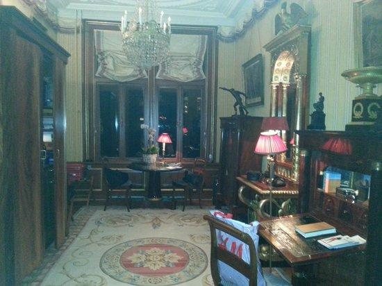 Park Mansion: Hall, zona de cocina, comedor, pequeño despacho.....