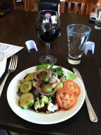 Sfizi Cafe: House salad