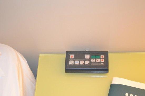 UNA Hotel Bologna: controle remoto das luzes