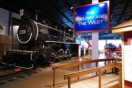 Western Development Museum : A CPR locomotive