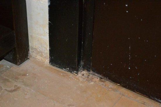 Grand Swiss-Belresort Tala Bay, Aqaba: двери