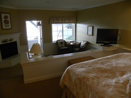 Outlook Inn on Orcas Island: Our hotel room