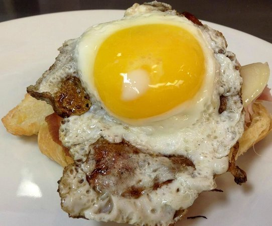 Mike's Cafe & Grille: We Serve Brunch every Saturday and Sunday