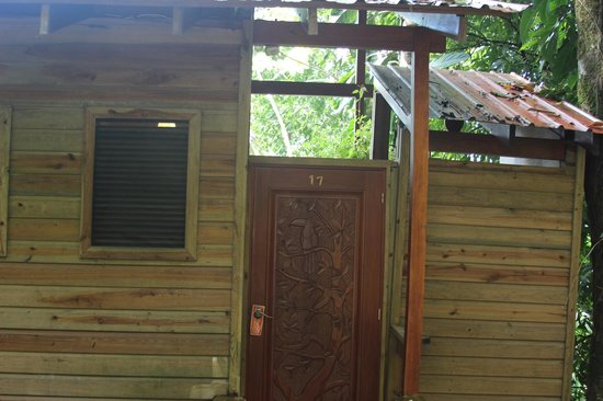 Ian Anderson's Caves Branch Jungle Lodge: Entrance to a river view room