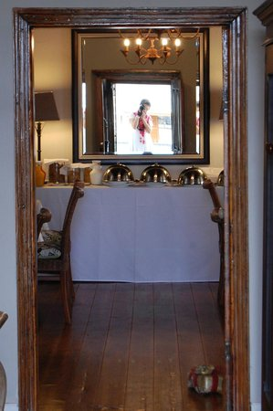 De Doornkraal Historic Country House Boutique Hotel: Dining room with old-world charm