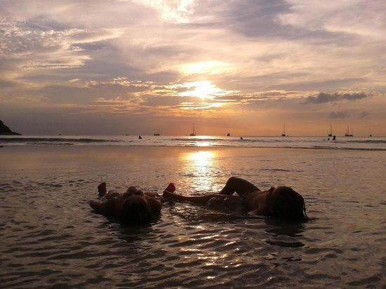 Nai Harn Beach: relax...........