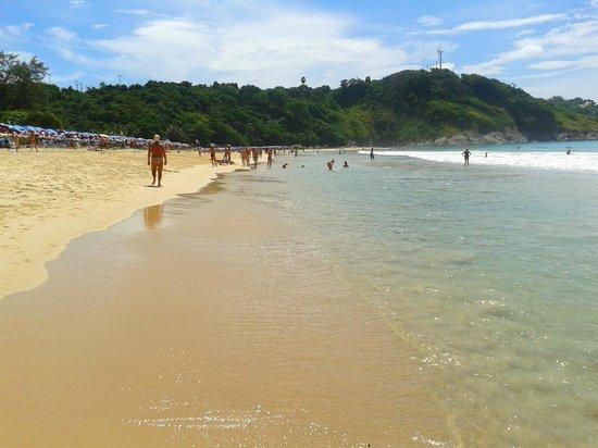 Nai Harn Beach: bellissima...