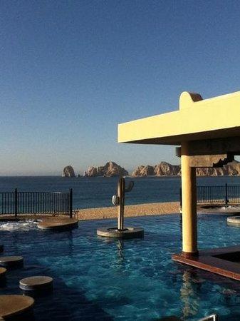 Hotel Riu Santa Fe: view from swim up bar riu cabo
