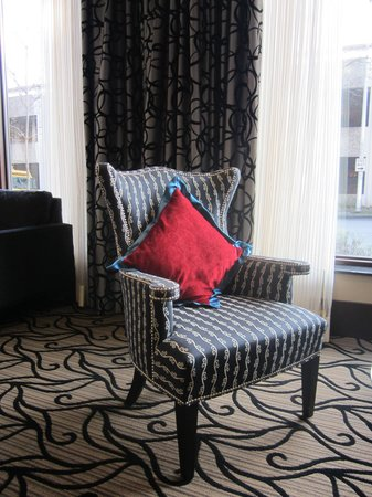 The Maxwell Hotel - A Staypineapple Hotel: Lobby chair