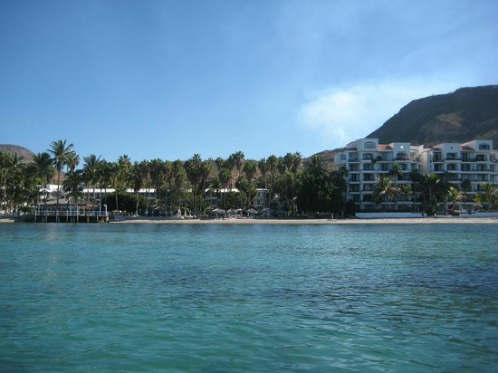 La Concha Beach Resort: View of the hotel from a kayak