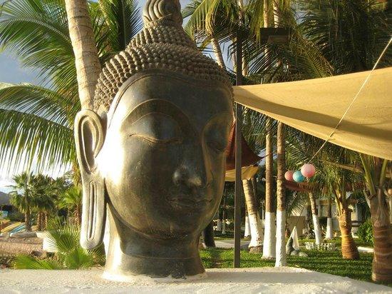 لا كونشا بيتش ريزورت: Am I in Thailand??? 