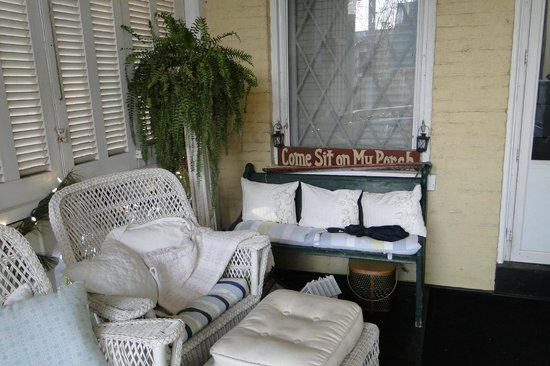 Inn at Woodhaven: Back Porch