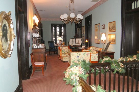 Inn at Woodhaven: upstairs hall