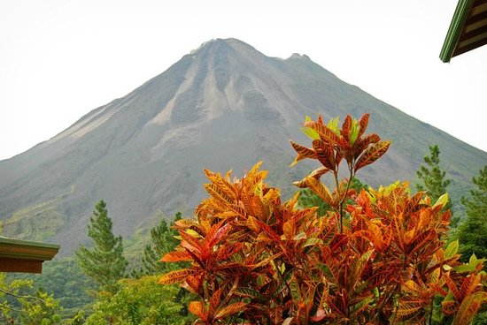 Arenal Observatory Lodge & Spa: Landscape at Arenal Observatory Lodge