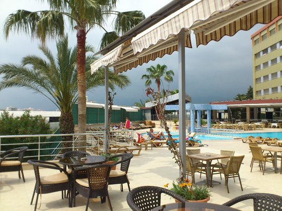 Dinler Hotels - Alanya: View from pool bar