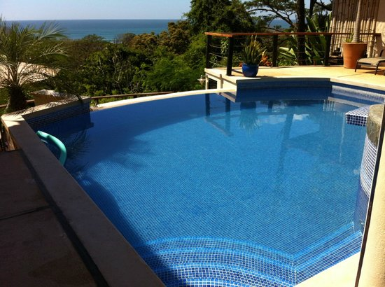 Casa MarBella: Pool with sea view