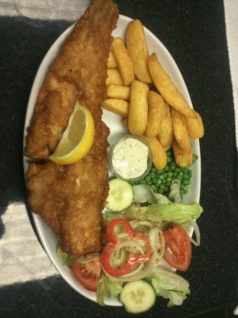 Monroe's Restaurant: fish & chips