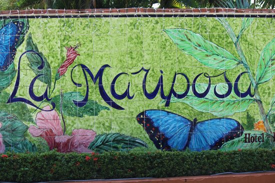 La Mariposa Hotel: Hotel mosaic outside entrance