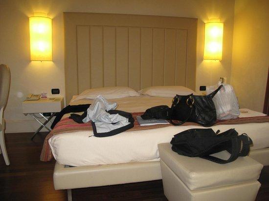 Hotel Londra: Room