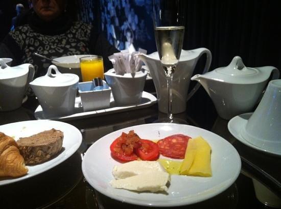 Hotel Teatro Porto: café da manhã