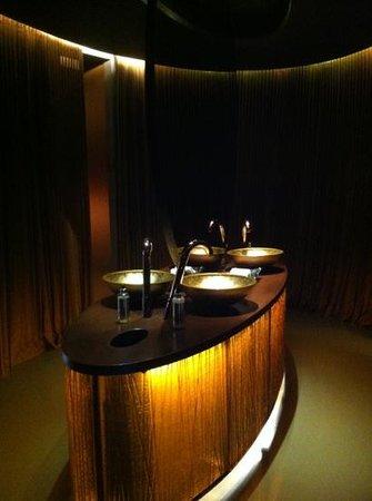 Hotel Teatro Porto: banheiro do restaurante Palco