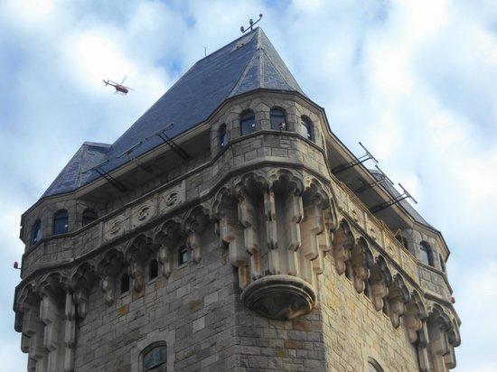 Torre Tanque: remate de la torre