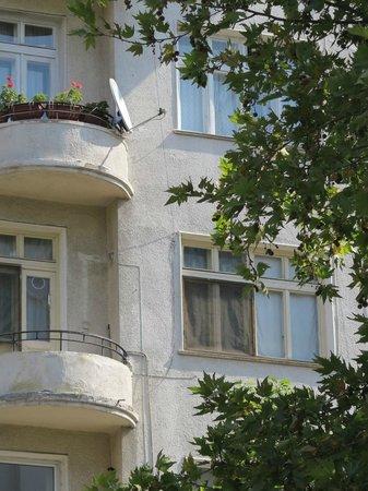 Apartments overlooking Slaveikov Square
