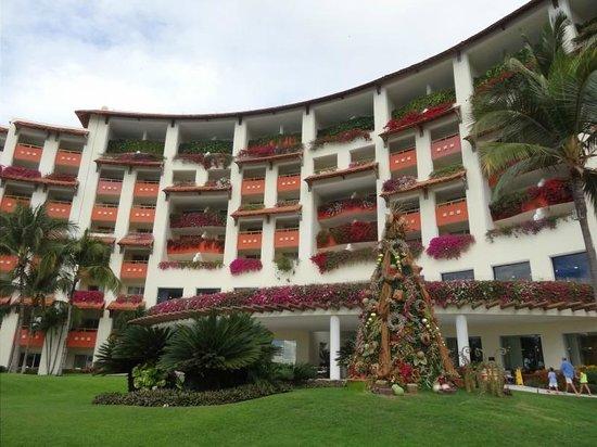 Grand Velas Riviera Nayarit: Christmas Treee