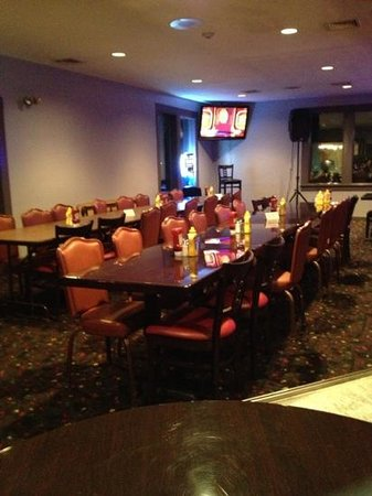 1760 Pub N Grille: This is the party room!������