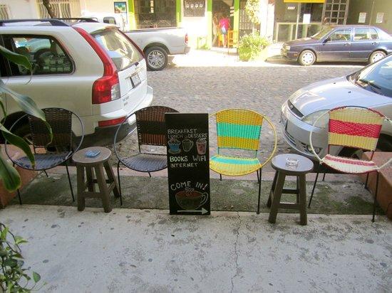 El Sofa Cafe: Un buen lugarsito para Sentarse