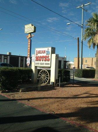 Larian Motel: Larian
