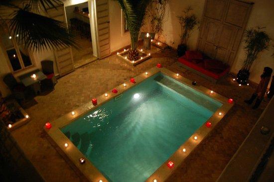 Riad Anyssates: piscine / patio