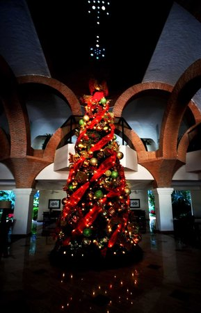 Velas Vallarta: Lobby Christmas Tree