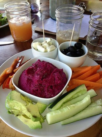 Mamasa: Beet Hummus- WOW!!!! with local cheese!