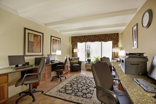 Best Western Plus Madison-Huntsville Hotel : Business Center