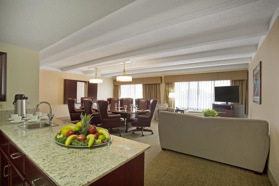 Best Western Plus Madison-Huntsville Hotel : Boardroom
