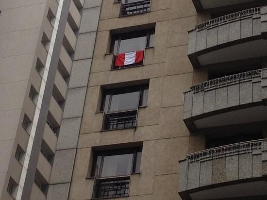 InterContinental Sao Paulo: mi habitación siempre con mi bandera peruana