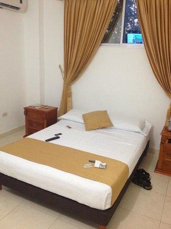 Hotel San Miguel Imperial: la cama