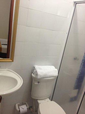 Hotel San Miguel Imperial: el baño
