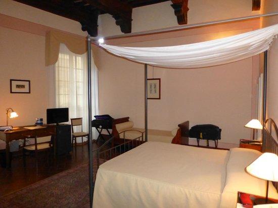 Hotel L'Antico Pozzo: ROOM