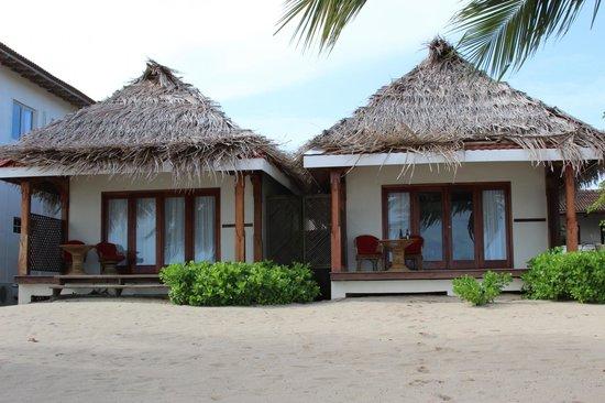 Almond Beach Resort: Beach Front Casitas