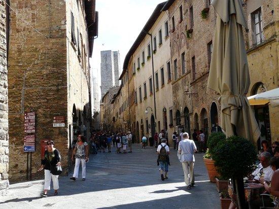 Hotel L'Antico Pozzo: STREET VIEW