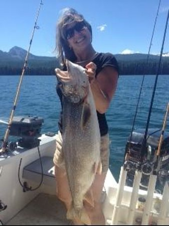 Odell Lake Lodge: Fish On!