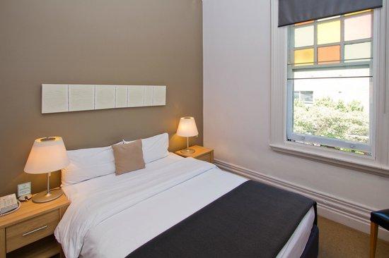 Vulcan Hotel Sydney Reviews