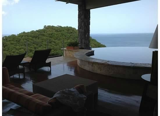 Jade Mountain Resort: View of our sanctuary