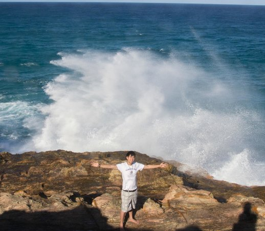 North Gorge Walk: Large waves, dangerous and exhilarating